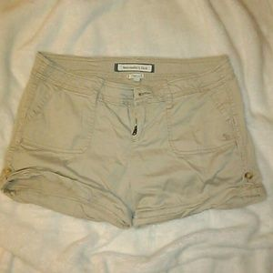 💥 EUC Abercrombie & Fitch Khaki Shorts sz 0 💥